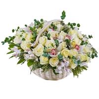 """Корзина цветов """"Нежное прикосновение"""""""