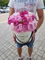 """Букет цветов в коробке """"Сладкий пион"""""""
