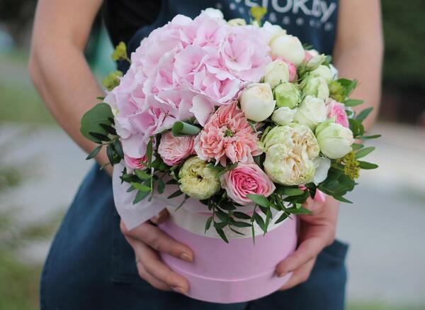 """Цветы в коробке """"Сказка лета"""""""