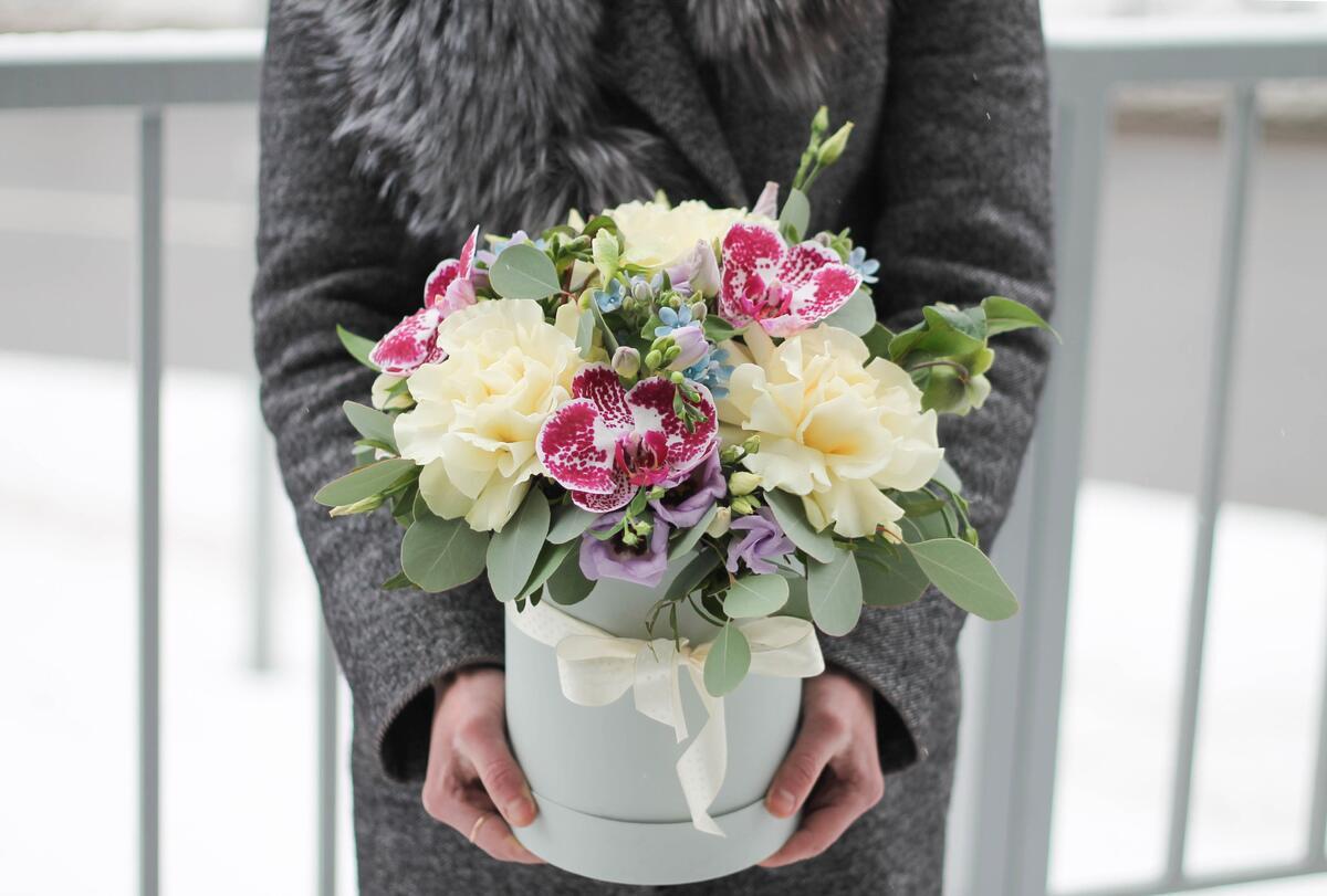 """Букет цветов в коробке """"Нежные чувства"""""""