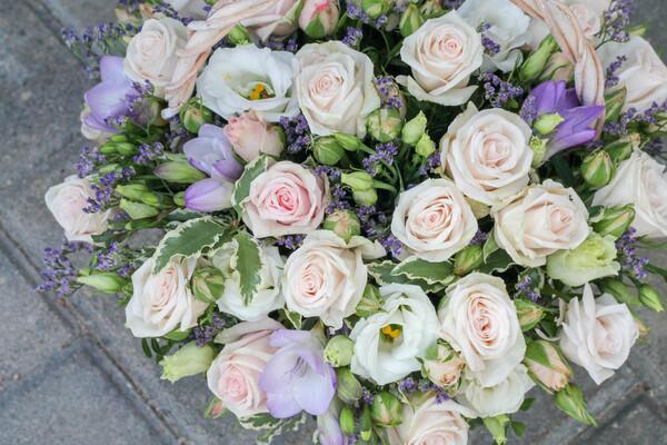 Корзина цветов ''Воздушный поцелуй''