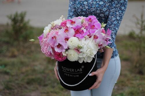 """Цветы в коробке """"Аромат орхидеи"""""""