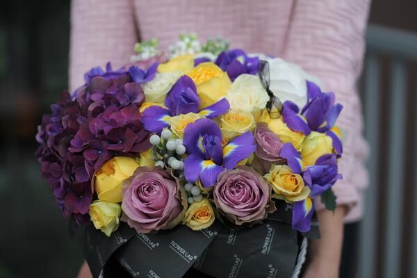 """Цветы в коробке """"Ирис"""""""