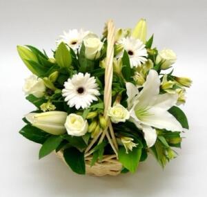 Корзина цветов ''Прекрасная незнакомка''