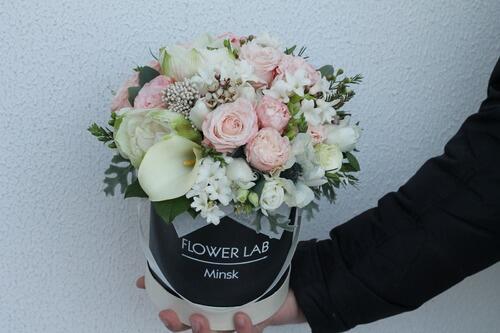 """Цветы в коробке """"Калла и гиацинт"""""""